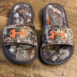 Under Armour Little Boys Ignite Camo Slides
